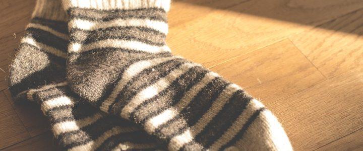 Que penser de la mode des claquettes avec chaussettes ?